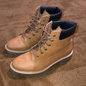 Utility Boots